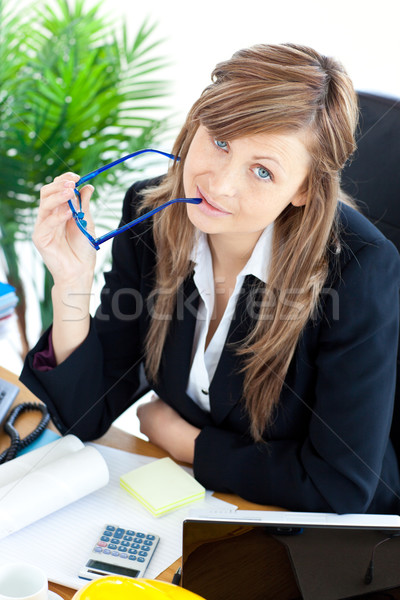 Stockfoto: Zakenvrouw · bril · vergadering · bureau · kantoor