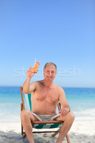 Foto stock: Senior · homem · potável · coquetel · praia · sol