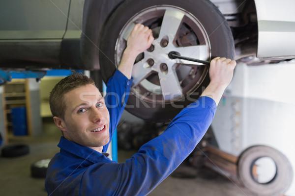 мужчины механиком автомобилей шин портрет работник Сток-фото © wavebreak_media
