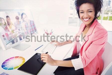 Toevallig vrouwelijke foto editor portret Stockfoto © wavebreak_media
