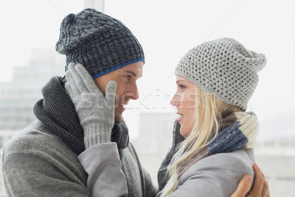 Cute paar warme kleding dag Stockfoto © wavebreak_media
