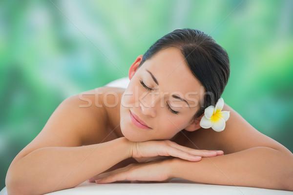Bella bruna rilassante massaggio tavola lusso Foto d'archivio © wavebreak_media