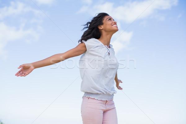Casual mulher bonita luz do sol Foto stock © wavebreak_media