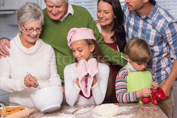 Aile birlikte ev mutfak ev Stok fotoğraf © wavebreak_media