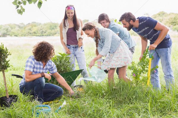 Zdjęcia stock: Szczęśliwy · znajomych · ogrodnictwo · społeczności · kobieta