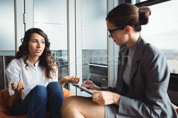 不幸 女性 コンサルティング カウンセラー 会議 ペン ストックフォト © wavebreak_media