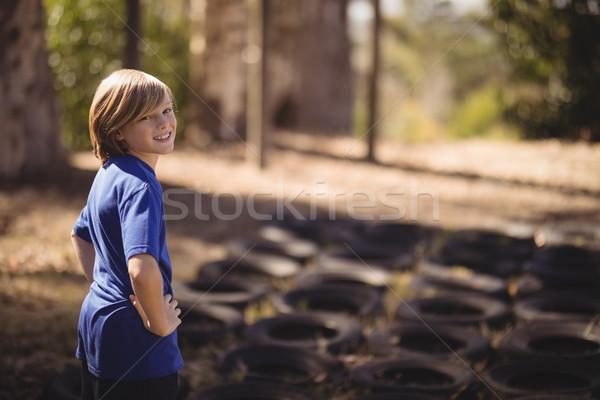 Portrait souriant fille permanent mains hanche Photo stock © wavebreak_media