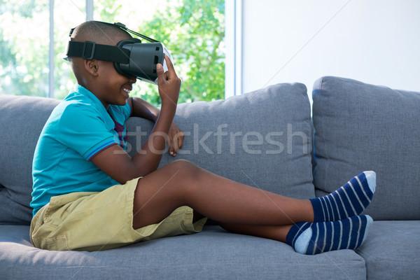 Vista lateral menino virtual realidade fone Foto stock © wavebreak_media