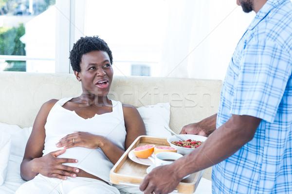 Mąż śniadanie ciąży żona domu kobieta Zdjęcia stock © wavebreak_media