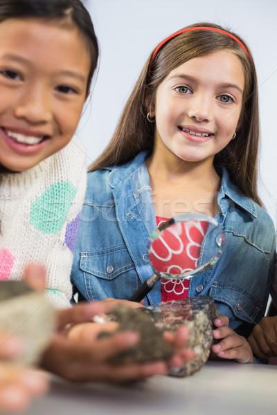 Retrato crianças lupa sala de aula escolas Foto stock © wavebreak_media