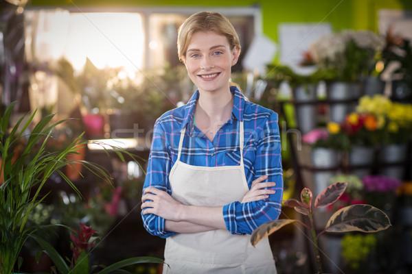 Retrato femenino florista sonriendo tienda flor Foto stock © wavebreak_media