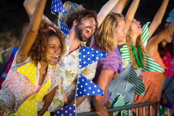 Grupy znajomych taniec festiwal muzyczny parku Zdjęcia stock © wavebreak_media