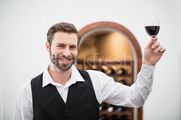 Maschio cameriere bicchiere di vino ristorante ritratto Foto d'archivio © wavebreak_media