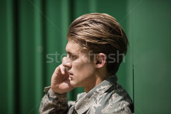 Militar soldado hablar teléfono móvil hombre carne Foto stock © wavebreak_media
