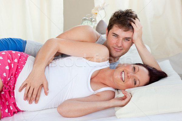 счастливым будущем родителей кровать утра улыбаясь Сток-фото © wavebreak_media