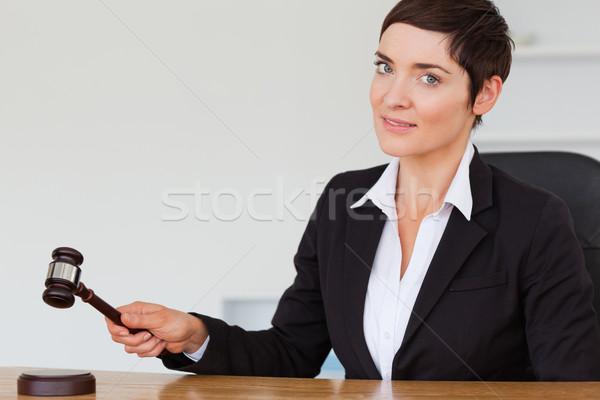 女性 小槌 オフィス 手 顔 法 ストックフォト © wavebreak_media