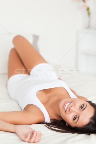 Boa aparência mulher cama quarto cara sensual Foto stock © wavebreak_media