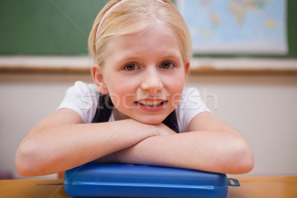Lány dől asztal osztályterem arc gyermek Stock fotó © wavebreak_media