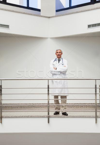 Lekarza uśmiechnięty korytarz szpitala Zdjęcia stock © wavebreak_media