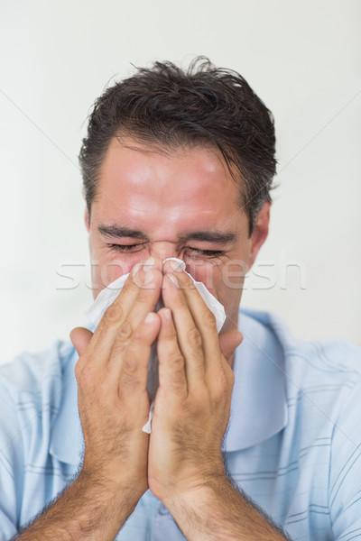 Homem sofrimento frio casa Foto stock © wavebreak_media