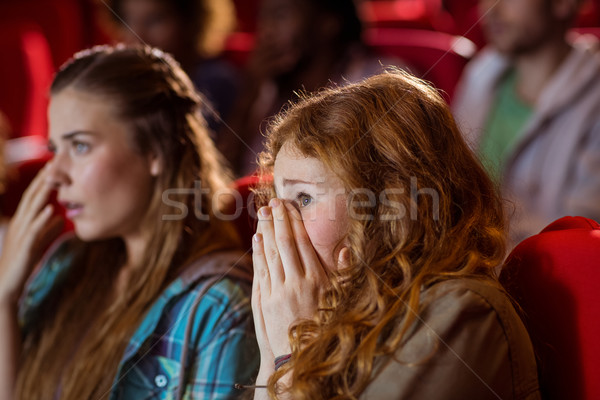 Jovem amigos assistindo filme cinema feliz Foto stock © wavebreak_media