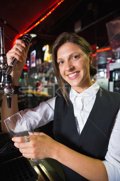 Foto stock: Feliz · quartilho · cerveja · bar · vidro
