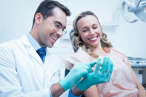 Maschio dentista insegnamento donna pennello denti Foto d'archivio © wavebreak_media