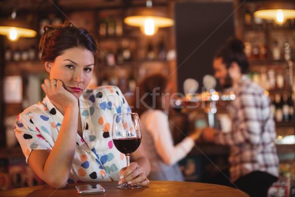 Alterar mujer cariñoso Pareja pub fiesta Foto stock © wavebreak_media