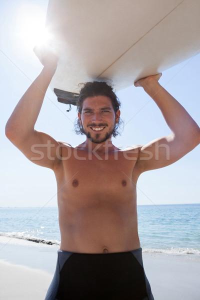 Szörfös hordoz szörfdeszka fej tengerpart part Stock fotó © wavebreak_media