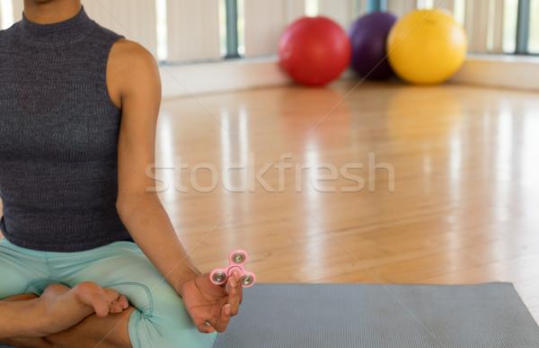 Kız rahatlatıcı el arka plan kadın Stok fotoğraf © wavebreak_media