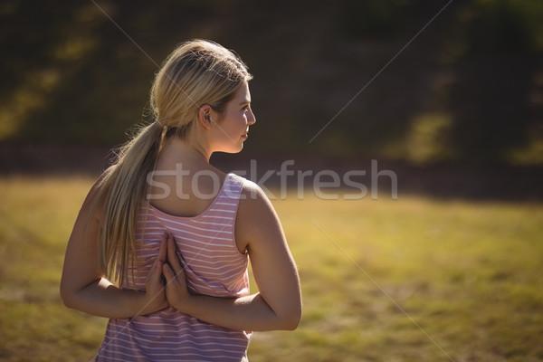 Nő jóga akadályfutás csizma tábor fitnessz Stock fotó © wavebreak_media