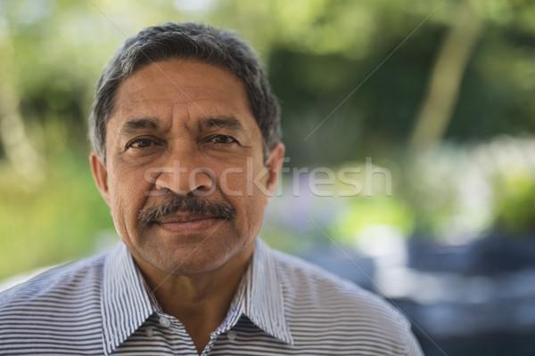 Portré komoly férfi veranda idős család Stock fotó © wavebreak_media