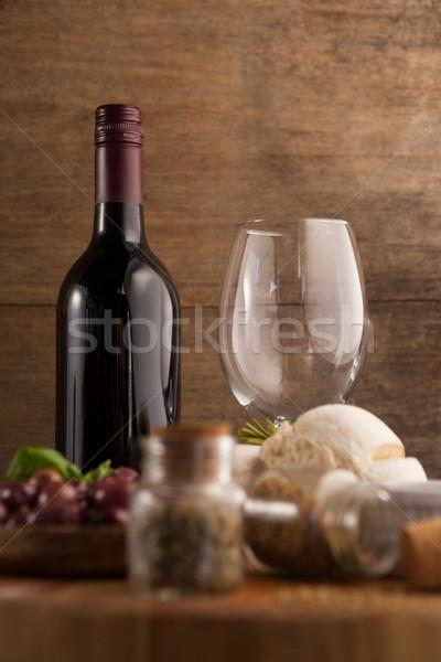 Wijnglas fles Spice brood tabel houten Stockfoto © wavebreak_media