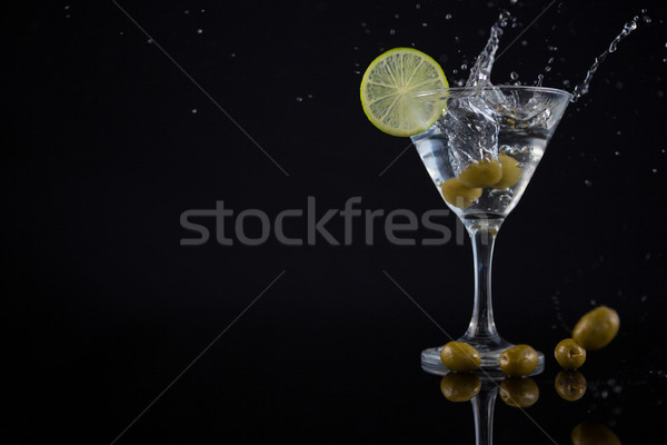 Olijfolie cocktail martini kalk tabel Stockfoto © wavebreak_media