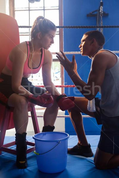 Entraîneur femme boxe fitness studio communication Photo stock © wavebreak_media