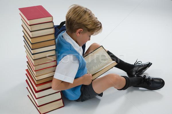 школьник чтение книга сидят книгах Сток-фото © wavebreak_media