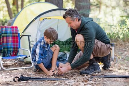 отцом сына вверх палатки парка улыбаясь трава Сток-фото © wavebreak_media