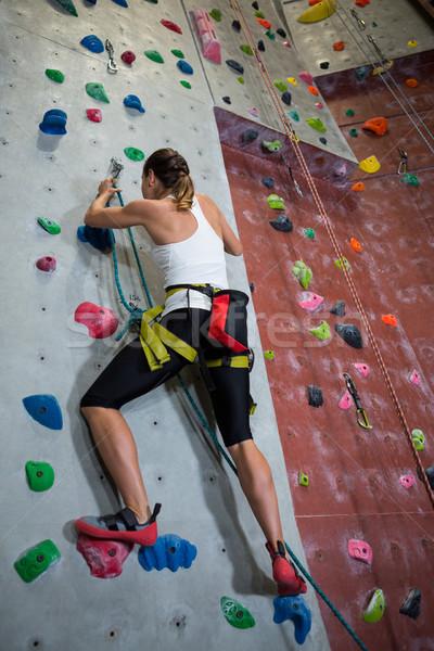 Kobieta wspinaczki fitness studio Zdjęcia stock © wavebreak_media