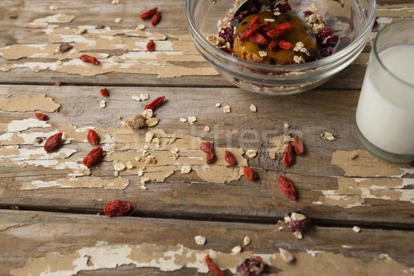 завтрак злаки молоко деревянный стол фитнес Сток-фото © wavebreak_media