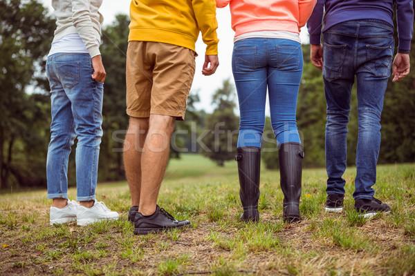 Amigos ir de excursión junto mujer hombre Foto stock © wavebreak_media