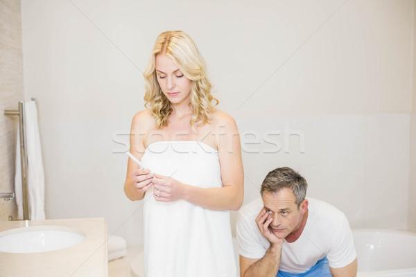 Pareja espera prueba del embarazo resultados bano mujer Foto stock © wavebreak_media