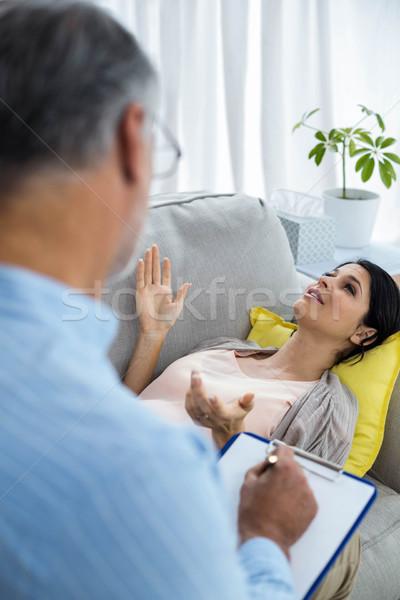 Médico escrita clipboard consultor mulher grávida casa Foto stock © wavebreak_media