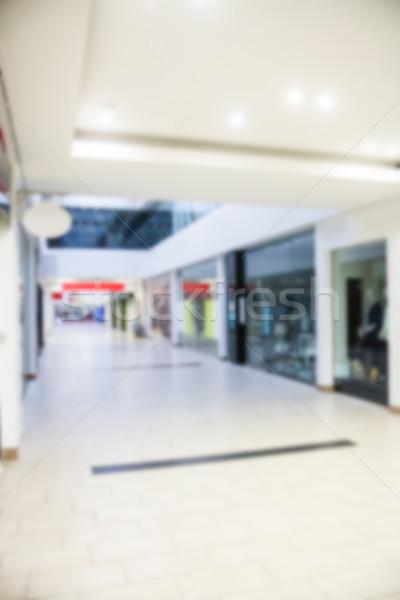 Innenraum modernen Einkaufszentrum Ansicht Durchgang Geschäften Stock foto © wavebreak_media