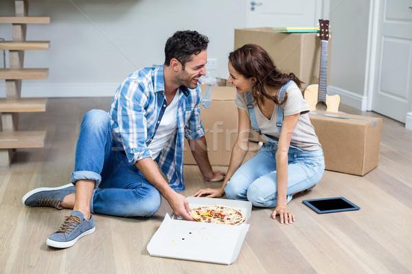 Boldog pár pizza ül otthon nő Stock fotó © wavebreak_media