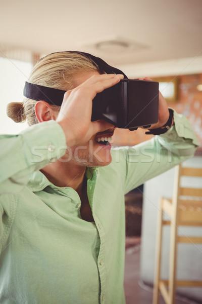 Homem virtual óculos restaurante bar visão Foto stock © wavebreak_media