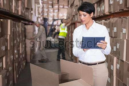 Stock fotó: Technikus · dolgozik · laptop · figyelmes · szerver · szoba