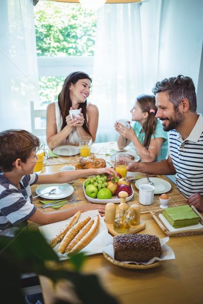 Mutlu aile kahvaltı birlikte ev kız köpek Stok fotoğraf © wavebreak_media
