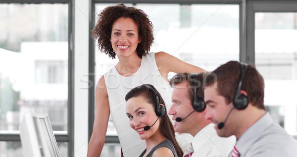 Carismático feminino gerente venda representante trabalho em equipe Foto stock © wavebreak_media