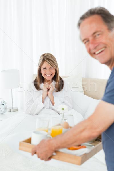 Uomo colazione moglie home donna felice Foto d'archivio © wavebreak_media
