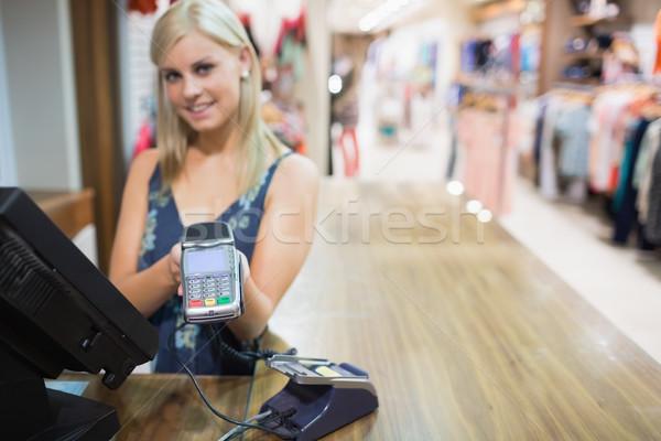 Photo stock: Femme · carte · de · crédit · vêtements · magasin · main